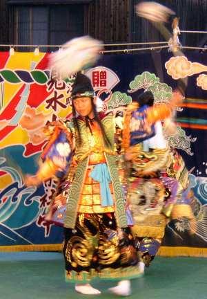 Baile de invocación, teatro Noh, Gotsu, Shimane, Japón