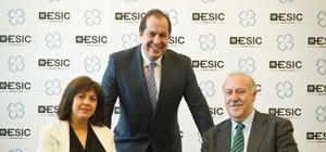 Vicente del Bosque y Rosa Garcia en el Hoy Es Marketing de Madrid
