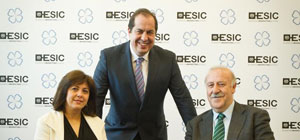 Vicente del Bosque y Rosa Garcia en el Hoy Es Marketing de Madrid