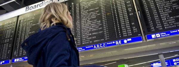 Los españoles emigran al extranjero en busca de nuevas oportunidades