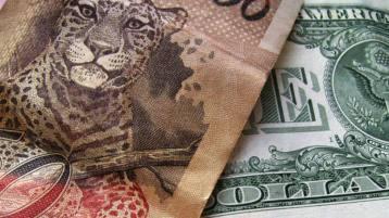 size_810_16_9_Nota_de_real_e_dólar