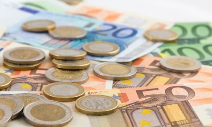 euros-billetes-monedas-suave