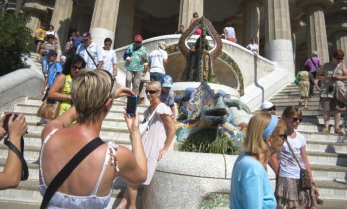 turistas-parque-guell
