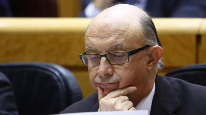 ministro-hacienda-cristobal-montoro-pasado-febrero-senado-1489780947035