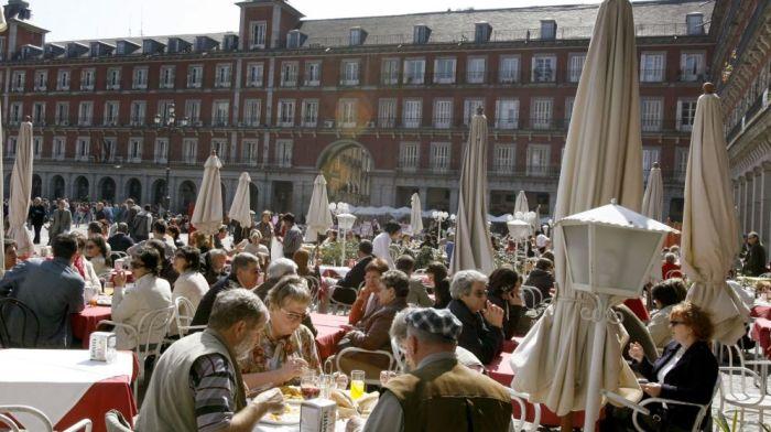espana-es-un-bar-1-54-millones-de-trabajadores-viven-ya-de-la-hosteleria