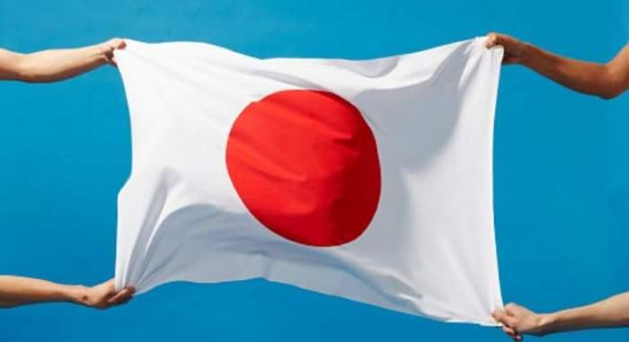 japon-bandera-manos