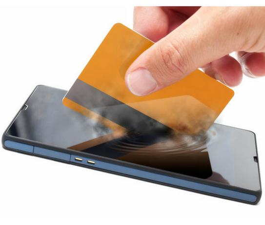 El-móvil-favorecerá-mejores-decisiones-de-compra-en-Navidad-para-el-40-de-los-españoles.png