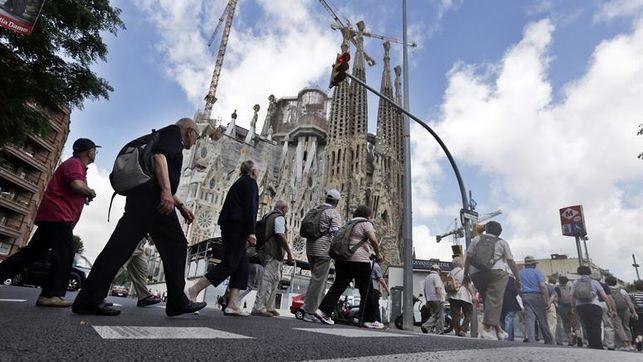 Estrenan-opereta-turismo-invade-Barcelona_EDIIMA20160222_0247_20.jpg