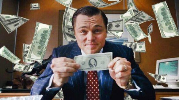hombre-con-billetes