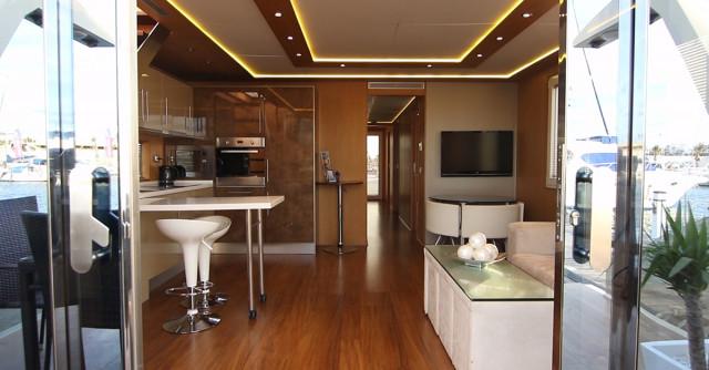 home_aboard_02.jpg