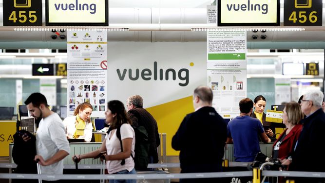 facturacion-Vueling-Aeropuerto-Barcelona-El-Prat_1241586243_84145522_667x375