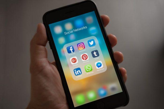 tiempo-gastas-redes-sociales-810x540