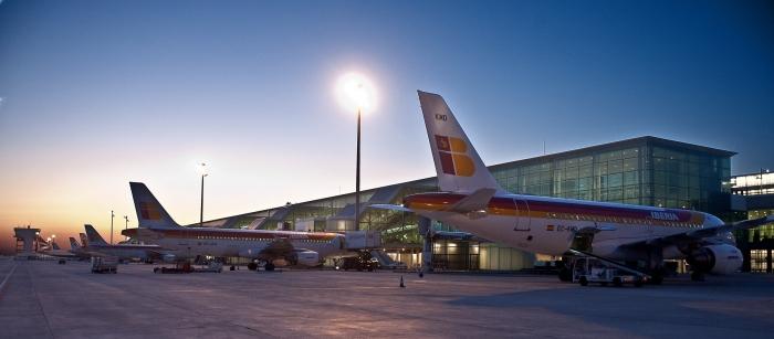 T1_Aeropuerto_de_El_Prat_56567466351.jpg